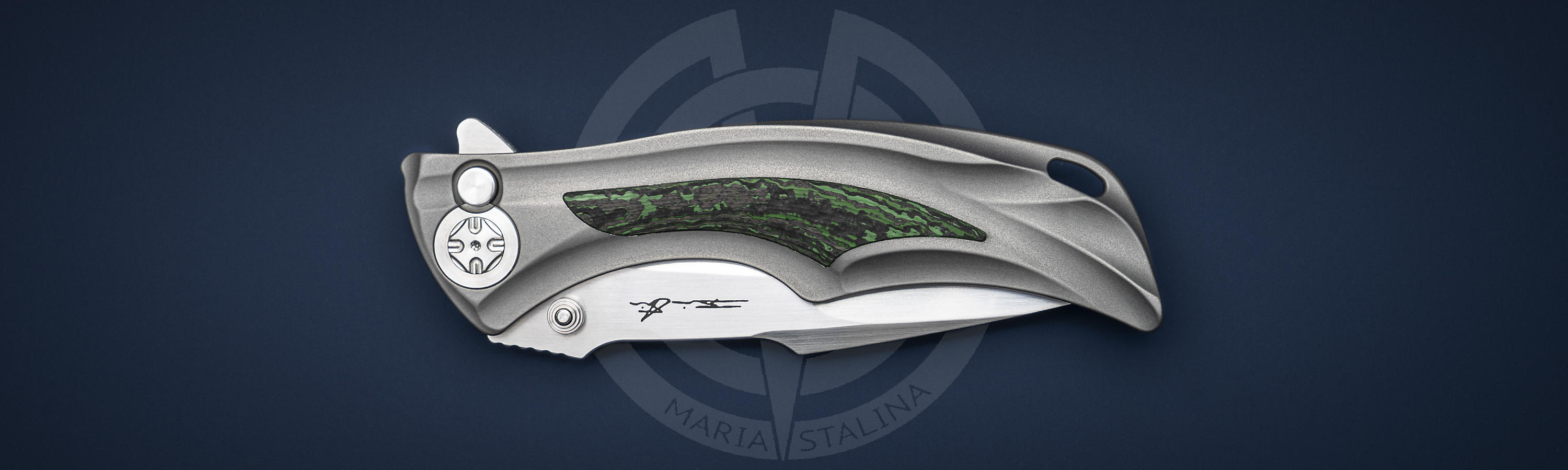 Titanium handle with carbon knife inserts of Down Integral Green Carbon Fiber