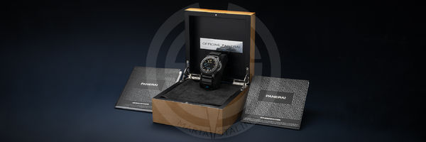 Panerai часы Submersible Carbotech™
