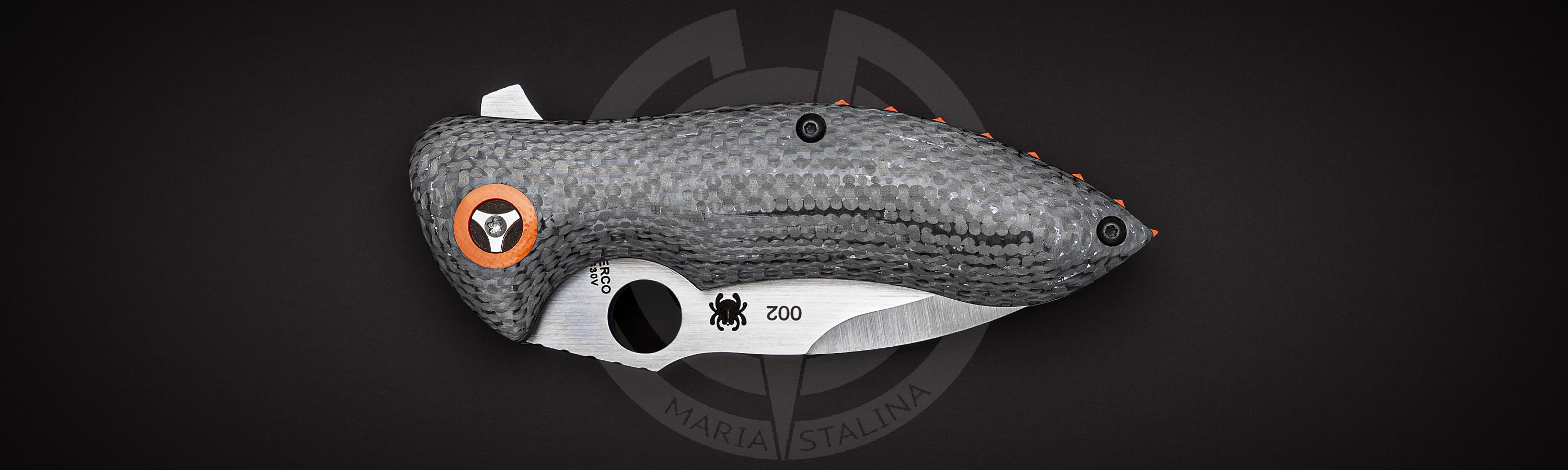 Carbon fiber handle of Rubicon Limited Edition