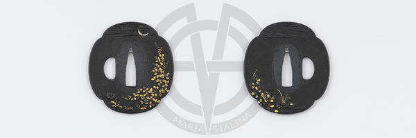 The moon tsuba mokko shape for wakizashi